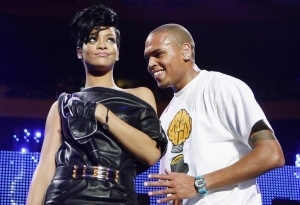 Musicians Chris Brown and Rihanna perform during the Z100 Jingle Ball in New York December 13, 2008. REUTERS/Lucas Jackson