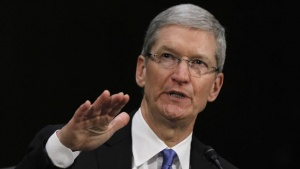 Apple CEO Tim Cook testifies at a Senate homeland security and governmental affairs investigations subcommittee hearing on offshore profit shifting and the U.S. tax code, on Capitol Hill in Washington, May 21, 2013. REUTERS/Jason Reed