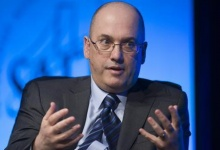 Hedge fund manager Steven A. Cohen, founder and chairman of SAC Capital Advisors, responds to a question during a one-on-one interview session at the SkyBridge Alternatives (SALT) Conference in Las Vegas, Nevada in this May 11, 2011, file photo. REUTERS/Steve Marcus/Files