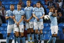 Manchester City players defend a West Bromwich Albion free kick during their English Premier League soccer match at The Etihad Stadium in Manchester, northern England, May 7, 2013. REUTERS/Darren Staples