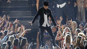 Justin Timberlake performs during the 2013 MTV Video Music Awards in New York August 25, 2013.  REUTERS/Lucas Jackson  (UNITED STATES Tags:ENTERTAINMENT) (MTV-SHOW)