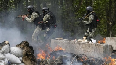 Ukrainian Forces Kill Pro-Moscow Separatists - Putin Warns of Consequences if Kiev Used Army Against Own People