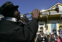 The Treme Brass Band performs during the Mystic Krewe of Barkus Mardi Gras parade in the French Quarter of New Orleans, Louisiana January 27, 2008. REUTERS/Lee Celano (UNITED STATES) - RTR1WDIN