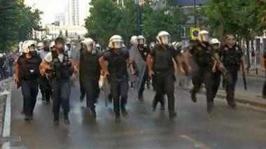 Turkey could deploy army to quell protests, as clashes continue
