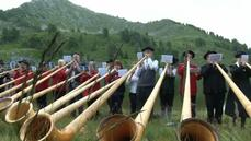 Thousands gather at high altitude for world's largest alphorn festival