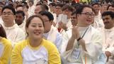 """Pope Francis issues """"wake up"""" call to Asian youth"""