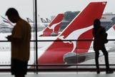 Flying kangaroo Qantas looks to loyalty program for cash