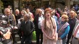 Opera singers take Jerusalem food market by surprise