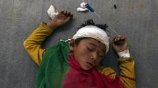 Angry Nepalis await aid as death toll rises