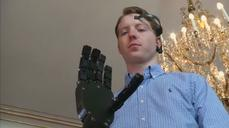 Cheap 3D printed robotic arm controlled by the mind