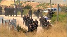 Israeli troops forcibly evacuate settlers
