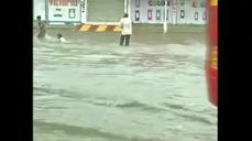 Monsoon rains bring chaos to Gujarat