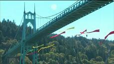 Activists on Oregon bridge block Shell's Arctic drilling