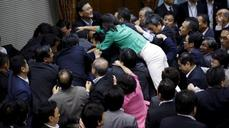 Lawmakers brawl over Japan's 'war bills'