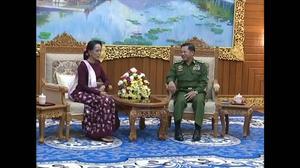 Suu Kyi meets with Myanmar top general