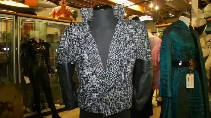 Prince's 'Purple Rain' jacket to fetch $100,000