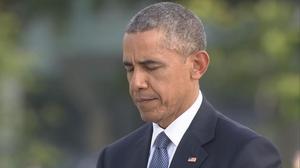Obama lays wreath in historic Hiroshima visit