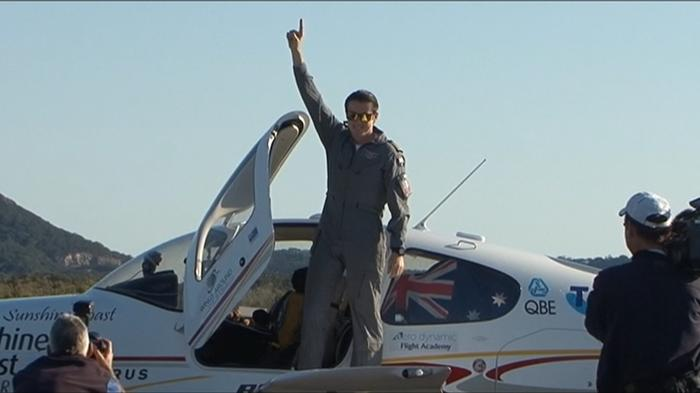 Aussie teen flies around the world solo