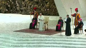 Pope comforts relatives of Nice victims