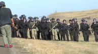 Police start removing Dakota pipeline protesters