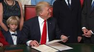 Trump signs formal nominations for cabinet