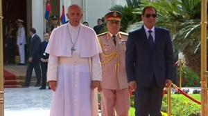 Egypt's president greets Pope Francis in Cairo