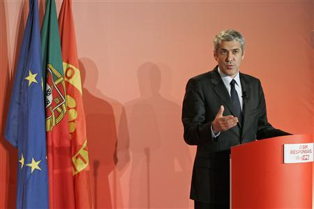 Portugal's Prime Minister Jose Socrates speaks about a referendum on abortion during a news conference in Lisbon, February 11, 2007. REUTERS/Marcos Borga