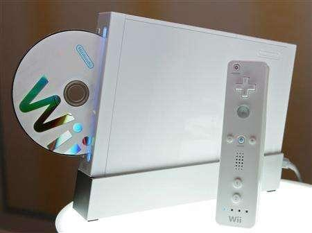 A file photo of Nintendo's ''Wii'' game console and control unit in Tokyo June 7, 2006. REUTERS/Issei Kato