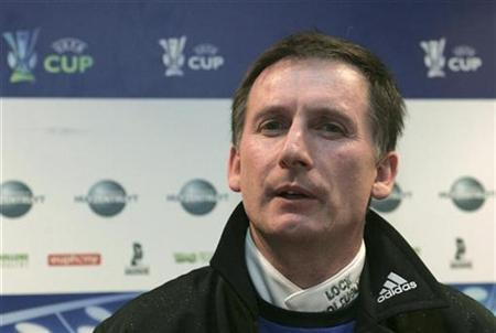 Newcastle United manager Glenn Roeder attends a news conference in Ghent February 14, 2007. Newcastle United have accepted the resignation of Roeder, the Premier League club said on Monday. REUTERS/Francois Walschaerts