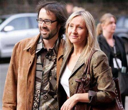 File picture shows author J.K. Rowling and her husband Neil Murray (L) arriving at the Dominion cinema for the Edinburgh International Film Festival UK premiere of the film ''Snow Cake'' in Edinburgh, Scotland, August 15, 2006. Rowling has leaked the ending of the eagerly awaited last book of her Harry Potter series to her husband. REUTERS/David Moir