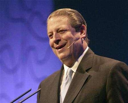 Former U.S. Vice President Al Gore speaks during the first International Meeting for Friends of Trees in Barcelona, June 23, 2007. Gore, talk show host Oprah Winfrey and ex-U.N. Secretary-General Kofi Annan are best suited to champion work to fight climate change, a 47-nation opinion poll said on Monday. REUTERS/Gustau Nacarino