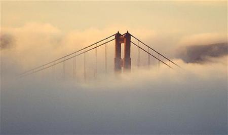 The Golden Gate Bridge in San Francisco in an undated file photo. Sporadic power failures cascaded across San Francisco for two hours on Tuesday, causing minor disruptions in the downtown business district and knocking out major Web sites including Craigslist. REUTERS/Stringer