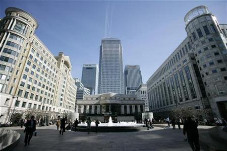 A general view of the Canary Wharf district of London March 16, 2007. Police closed streets near Canary Wharf on Saturday after an unexploded German flying bomb from World War Two was found on a construction site. REUTERS/Jonathan Bainbridge