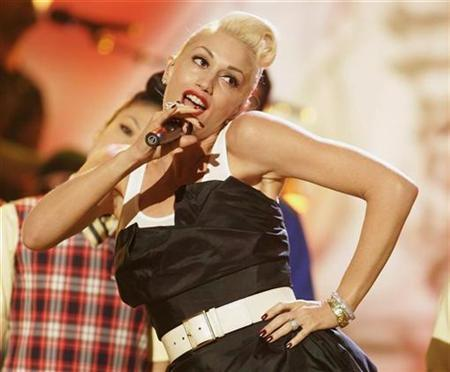 Singer Gwen Stefani performs in a 2007 photo. Malaysia should pull the plug on the Kuala Lumpur leg of Stefani's upcoming Asian tour because of her indecent dressing and obscenity, a Muslim students' group said on Tuesday. REUTERS/Fred Prouser
