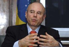 <p>O ministro da fazenda Guido Mantega fala durante entrevista à Reuters, em Brasília. Photo by Stringer</p>