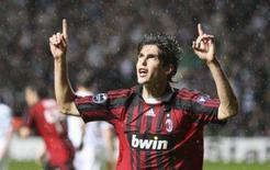 <p>Kaká comemora gol contra o Celtic em Glasgow. O centroavante brasileiro Kaká, do Milan, foi eleito o melhor jogador do mundo em 2007 pela entidade FIFPro, numa escolha em que foi decisiva sua participação na conquista do sétimo troféu europeu do seu time, em maio. 3 de outubro. Photo by Nigel Roddis</p>