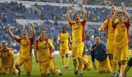 <p>Karlsruhe vence Schalke em Gelsenkirchen. Christian Timm marcou duas vezes no segundo tempo e garantiu a vitória do Karlsruhe sobre o Schalke 04 neste sábado por 2 x 0. O time, recém-promovido da segunda divisão, agora é o segundo colocado no Campeonato Alemão. 6 de outubro. Photo by Ina Fassbender</p>