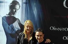 <p>Las películas de misterio vuelven al cine español con 'El Orfanato', con la que el debutante director Juan Antonio Bayona (en la foto) buscará repetir el éxito de 'Los Otros', de Alejandro Amenábar, en el 2001, y de 'El laberinto del fauno', de Guillermo del Toro, el año pasado. Bayona debuta con un largometraje que cuenta con el respaldo del propio director y con la actriz Belén Rueda en el papel principal de una especie de 'thriller' que apuesta por el suspenso clásico. Photo by Sergio Perez/Reuters</p>