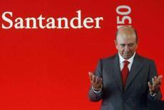 <p>Emilio Botin, presidente-executivo do Santander, discursa no escritório central do banco nos arredores de Madri. O Santander, maior banco da Espanha, está próximo de concluir a venda de ativos imobiliários num total de cerca de 4 bilhões de euros. Photo by Andrea Comas</p>
