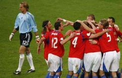<p>A República Tcheca assegurou na quarta-feira uma vaga na Eurocopa de 2008 ao vencer a já classificada Alemanha por 3 x 0 pelo grupo D. Foto em Munique, 17 de outubro. Photo by Alexandra Beier</p>