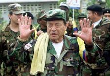 <p>Foto do Arquivo de Manuel Marulanda, líder das Farc. Marulanda ordenou que sejam realizadas provas de que as pessoas sequestradas estão vivas, como parte dos avanços de um acordo que possibilitaria a libertação das vítimas, disse o presidente venezuelano, Hugo Chávez. Photo by Jose Miguel Gomez</p>
