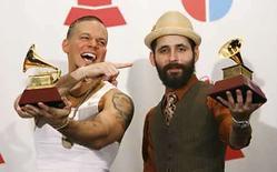 <p>Juan Luis Guerra, Calle 13 (en la foto) y Ricky Martin dominaron la 8va. entrega anual de los premios Latin Grammy, celebrada el jueves en Las Vegas. A continuación, una lista de los ganadores en las principales categorías: Photo by Mario Anzuoni/Reuters</p>