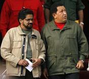 <p>O embaixador dos EUA na Colômbia disse na sexta-feira que o trabalho de mediação do presidente venezuelano, Hugo Chávez, que se reuniu com um líder das Farc, deve levar à libertação de reféns. Foto de Chávez (direita) com o líder das Farc, Ivan Marquez, 8 de novembro em Caracas. Photo by Jorge Silva</p>
