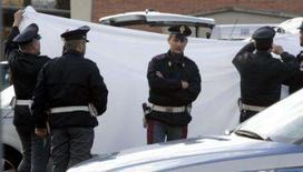 <p>Polícia italiana diz que matou torcedor acidentalmente em Arezzo. Um policial italiano disparou acidentalmente e matou um torcedor durante uma briga de torcidas de clubes rivais neste domingo, informou a polícia local. 11 de novembro. Photo by Stringer</p>