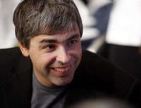 <p>O co-fundador do Google Larry Page fala durante almoço, em Nova York. O Google pensa em fazer uma oferta sozinho para comprar valiosas frequências de comunicação e lançar uma rede sem fio nos Estados Unidos, já que se aproxima o fim do prazo para declaração dos planos de participação no leilão. Photo by Chip East</p>