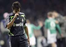 <p>O Real Madrid não pode relaxar apesar de precisar de apenas um ponto no Grupo C da Liga dos Campeões para se classificar às oitavas-de-final, alertou o capitão Raúl (arquivo). Photo by Kai Pfaffenbach</p>
