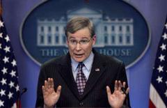 <p>Conselheiro de segurança nacional dos EUA Stephen Hadley fala sobre o Irã em Washington, 3 de dezembro. Os serviços de inteligência dos Estados Unidos concluíram que o Irã paralisou seu programa nuclear em 2003. Photo by Kevin Lamarque</p>