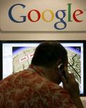 <p>Le fabricant de matériels de navigation TomTom s'allie avec Google afin d'offrir un service de recherche professionnelle sur ses appareils portables. /Photo prise le 9 août 2007/REUTERS/Mike Blake</p>