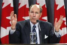 <p>Bank of Canada Governor David Dodge speaks during a news conference in Ottawa October 18, 2007. REUTERS/Chris Wattie</p>