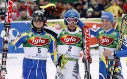 <p>Da sinistra a destra: lo svedese Jens Byggmark, l'austriaco Benjamin Raich e l'italiano Manfred Moelgg a Bad Kleinkirchheim. REUTERS/Dominic Ebenbichler (AUSTRIA)</p>